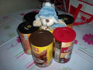 Teddy in der Cappuccino-Dose