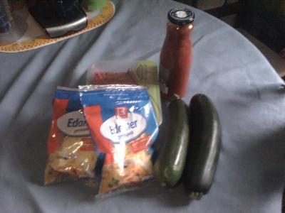 Zutaten gefüllte Zucchini